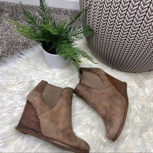 Audrey Brooke   Tan Wedged Ankle Boots